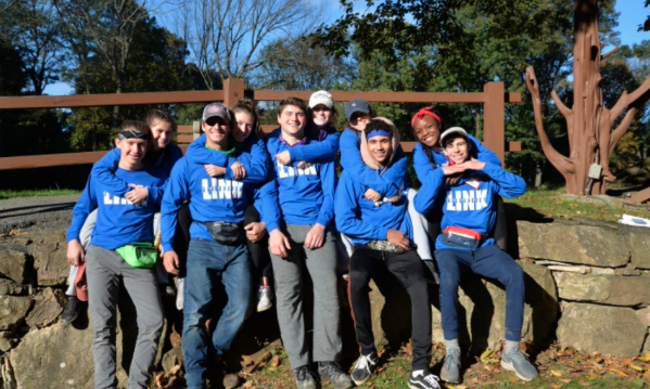 LINKed for Life! The fall senior leaders take a picture with their new royal blue LINK shirts.